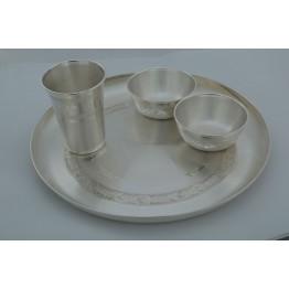 Velpatti Design with Lining Dinner Set