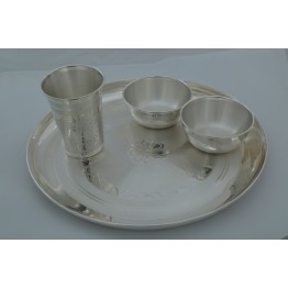 Velpatti and Lining with Dull Polish Dinner Set